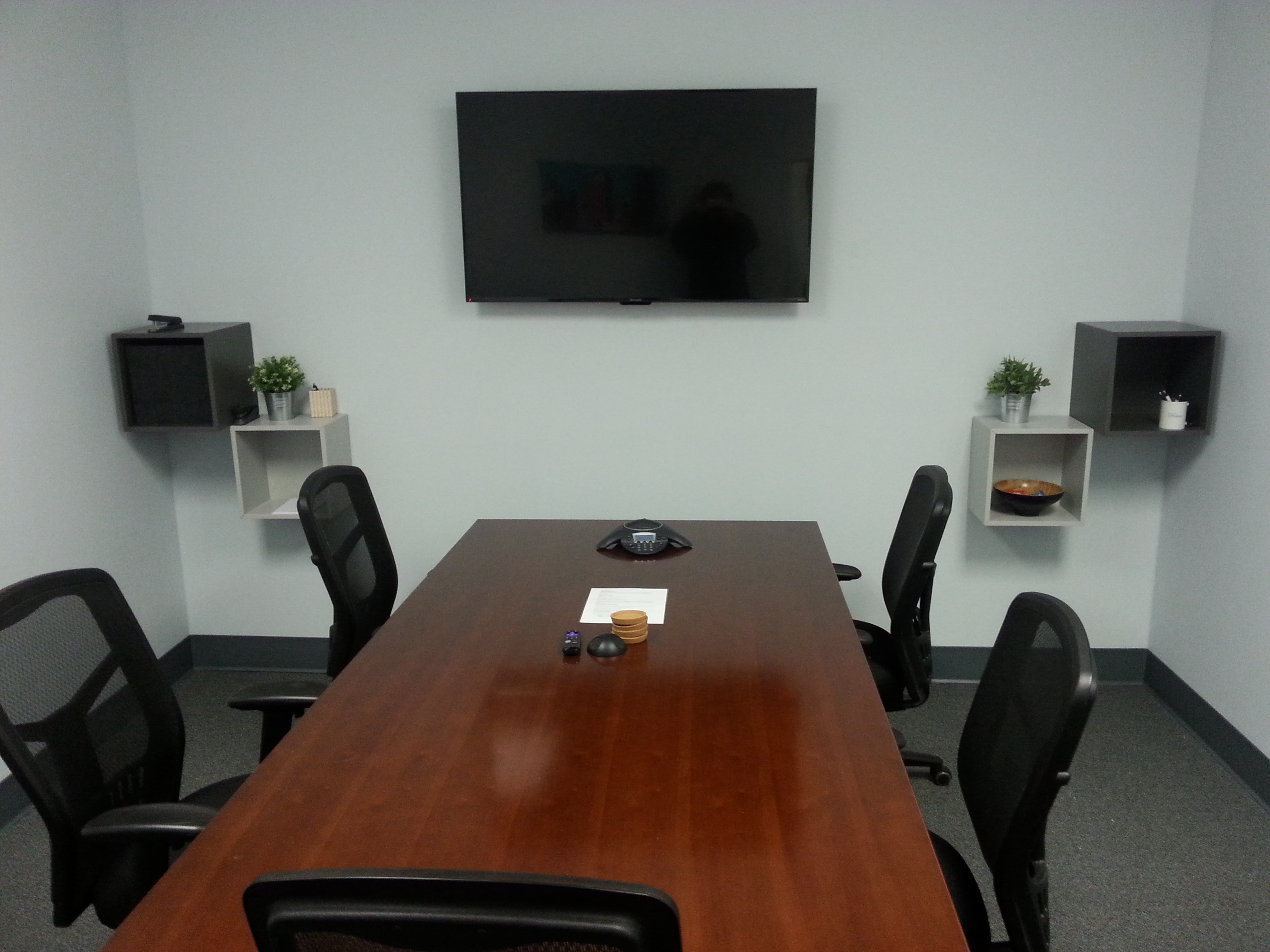 Finding and Booking Hourly Meeting Room Rentals, Made Easy!
